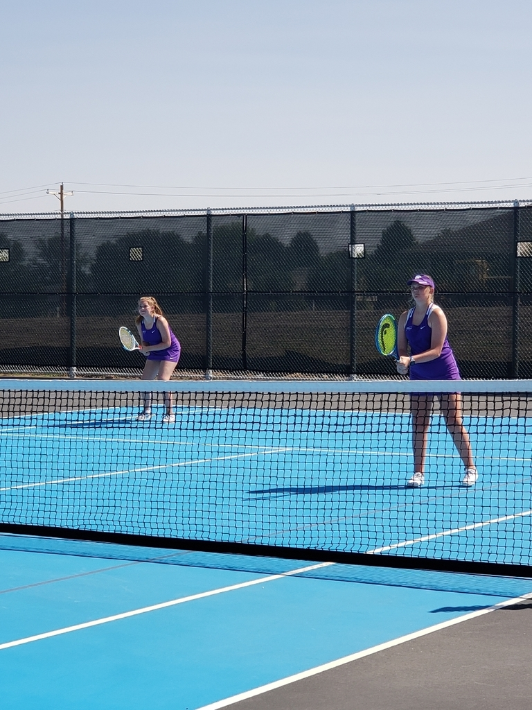 Ellen and Kate are ready for the serve.